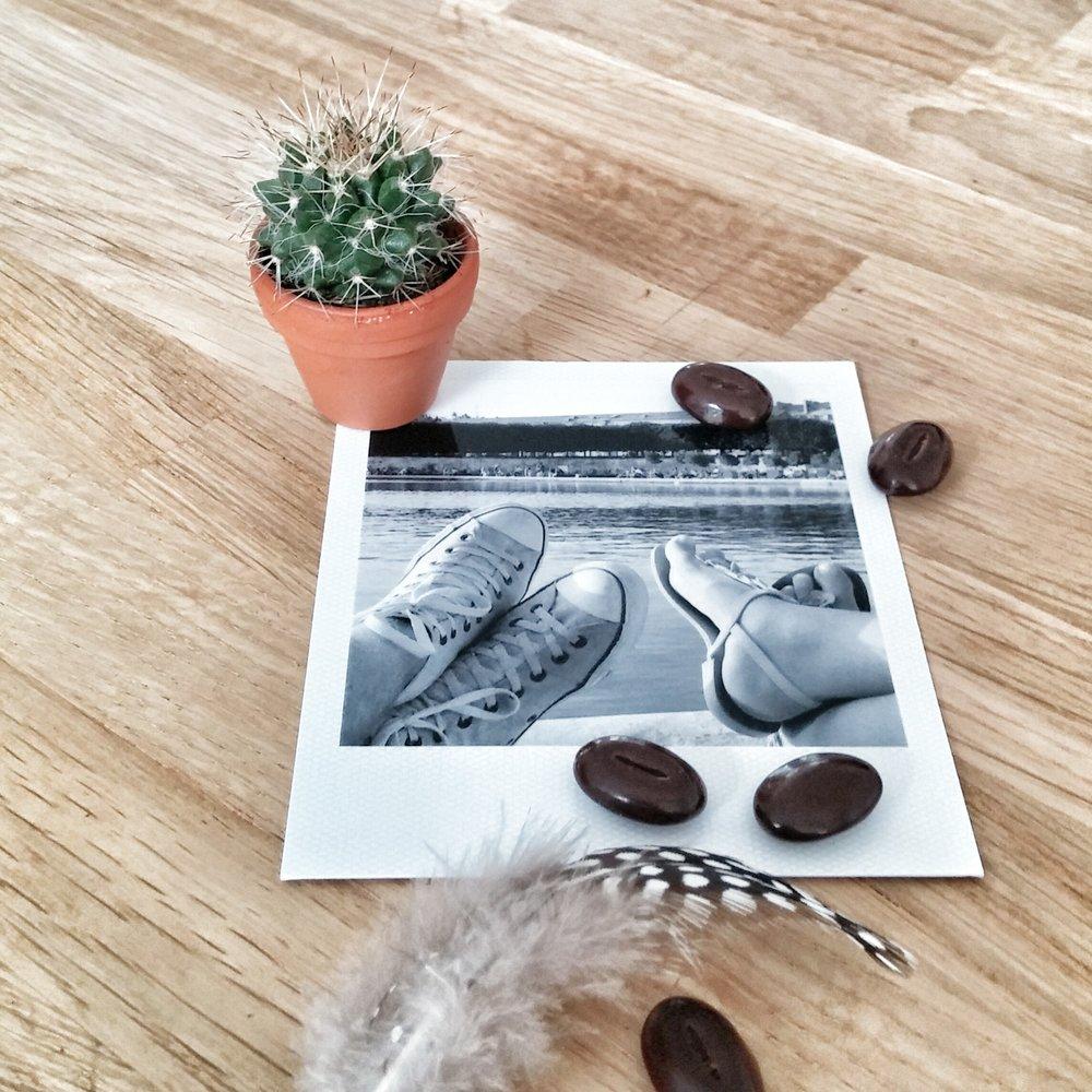 Naast liefde voor elkaar en voor hun dochter Kiki, hebben Niels en Kirsten een gezamenlijke liefde voor styling. Na een paar jaar samenwonen werd hun eigen huis te klein voor alle creatieve ideeën.In 2016 hebben zij samen Heutster opgericht. Heutster staat voor stoer, industrieel, vintage, groen en persoonlijk. Deze stijl verspreiden zij samen over woonkamers en kantoorruimtes door het hele land. -