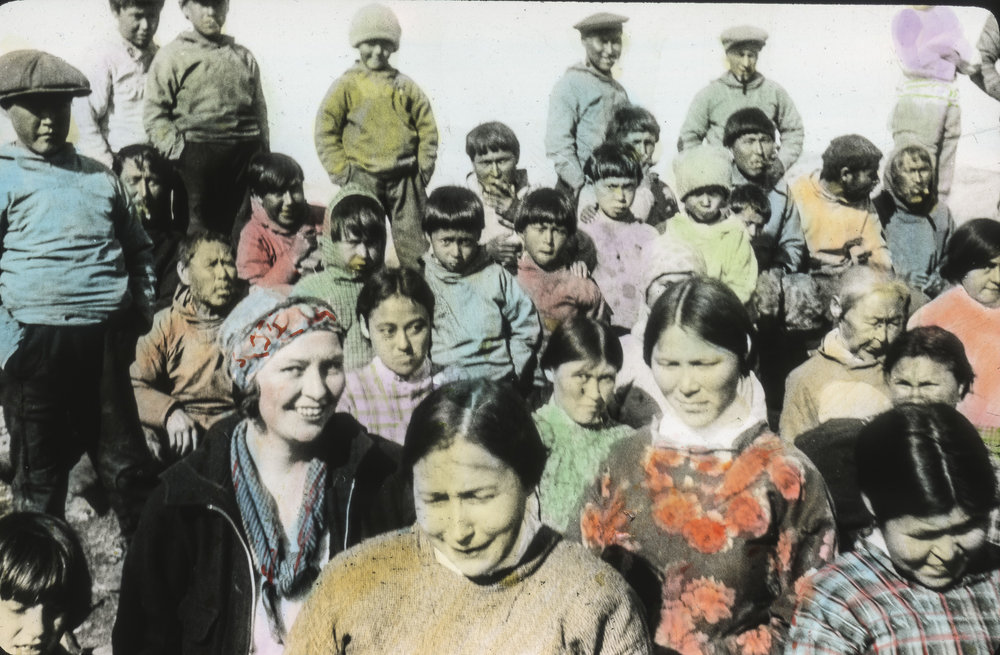 Francis Kent and Inuits in Illorsuit