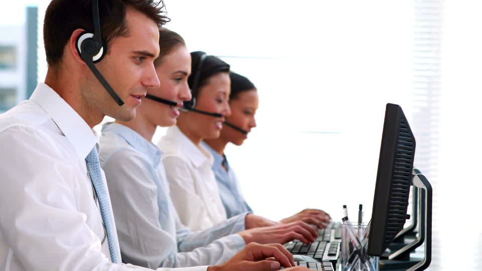 593928457-mouse-computer-call-center-customer-consultant-telefone-operator.jpg