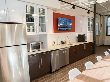 kitchen and lunch area with coffee and refreshments