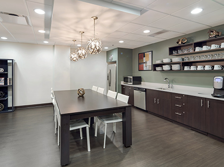 brown counter with cups