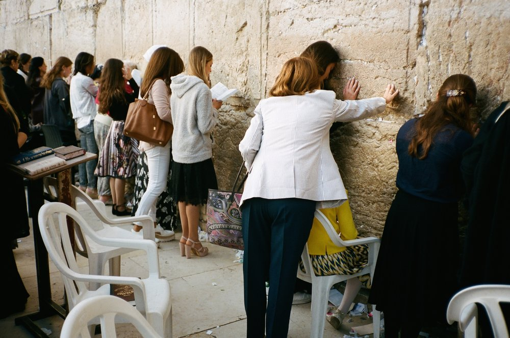 kotel lady2 copy.jpg