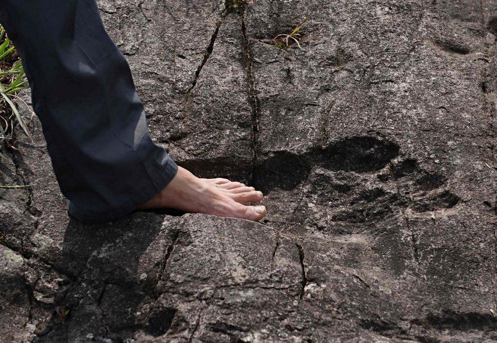 giant-human-footprints-china blue pants.jpg