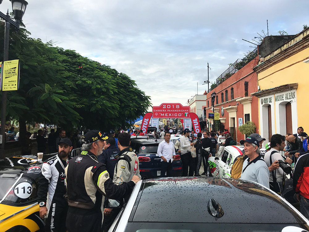 The teams are anxious to get started on stage 1 of La Carrera 2018.