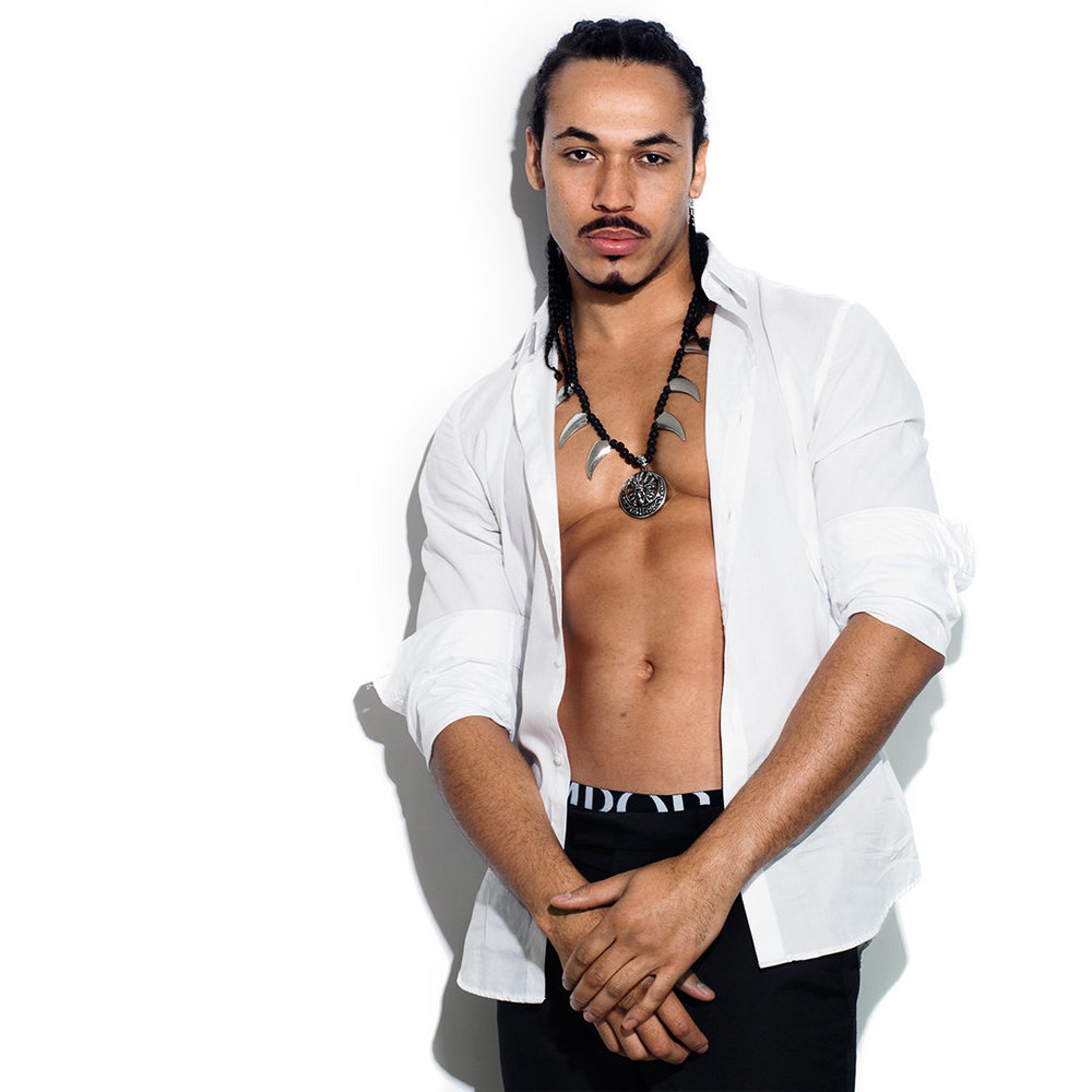 Brisbane topless waiter - Andre