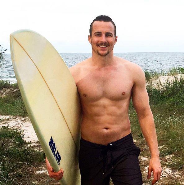 Topless waiter Brisbane - Aiden