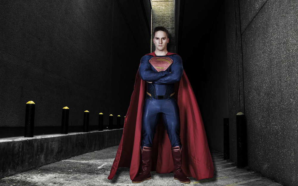 An example of what a good Superman costume would look like.