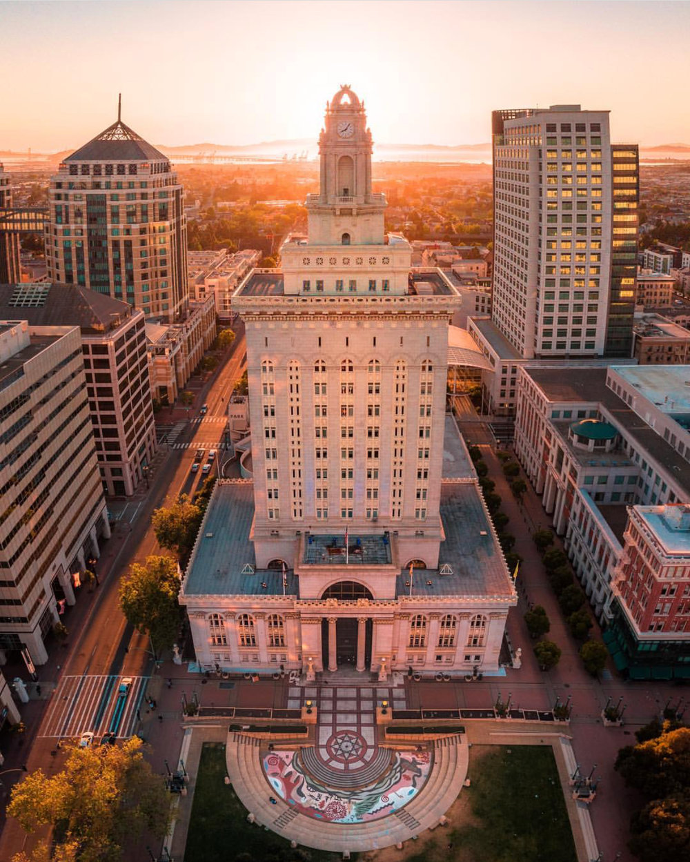 Oakland City Hall photo by  @streets.win