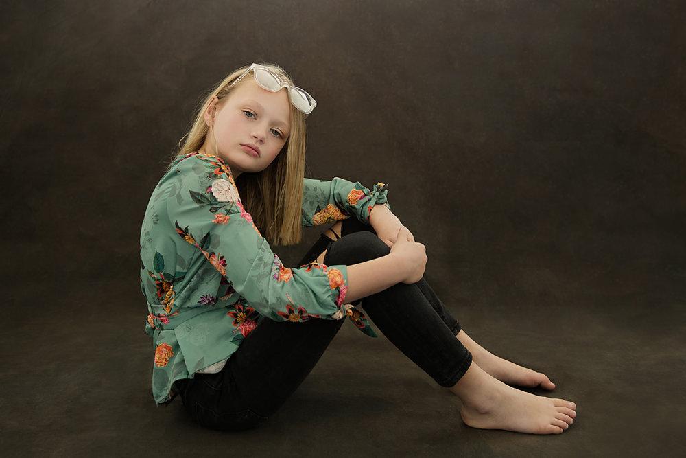Geelong photographer child fashion portrait.jpg