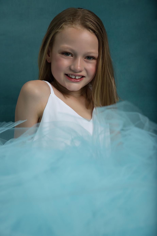 Geelong photographer child blue.jpg