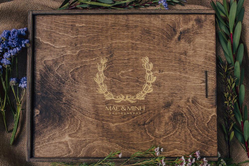 Large Wooden Heirloom Album box.