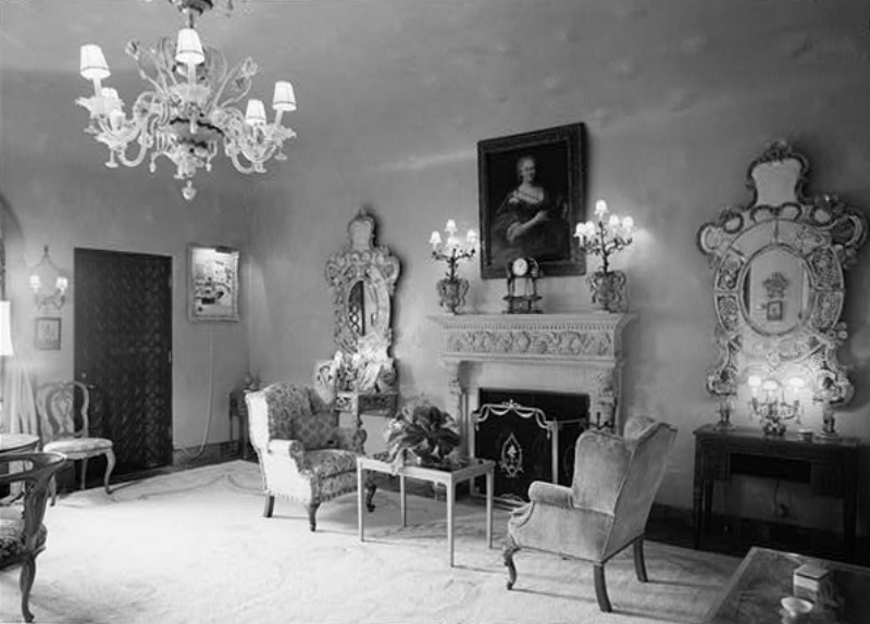 Library of Congress, April 1967, VENETIAN ROOM SHOWING VENETIAN GLASS MIRRORS AND CHANDELIER - Mar-a-Lago, 1100 South Ocean Boulevard, Palm Beach, Palm Beach County, FL.