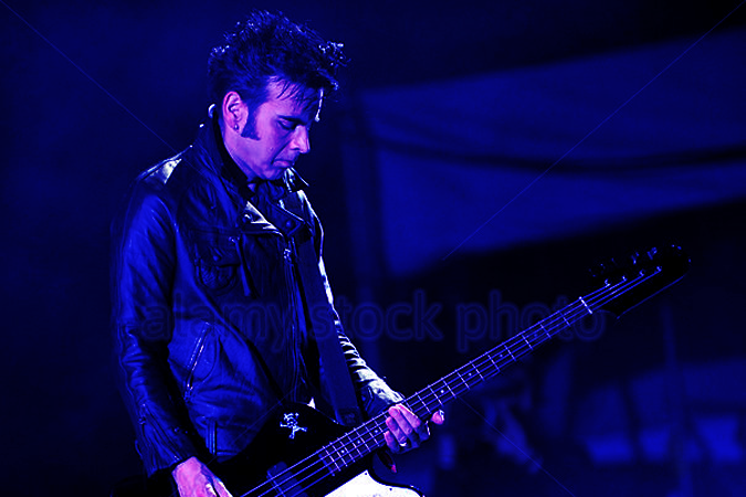Simon Gallup  Short bio could go here. Links to artist website,  info , projects,  artist on shecter site , etc.