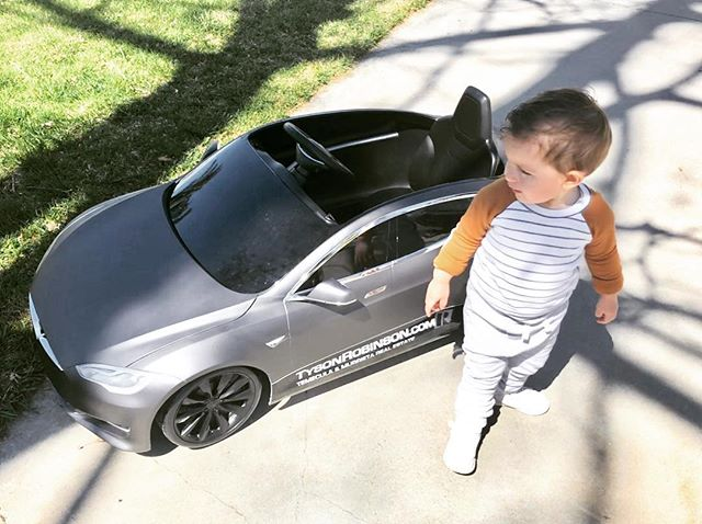 🚙 Zander supporting the biz w/ his #tesla wrapped. Buying/selling? 📲 Contact us!  #temecula #realestate #realtor #topproducer #temecularealestate #temeculahomes #murrietarealestate #murrieta #minitesla #realestateredefined #exprealty #homes