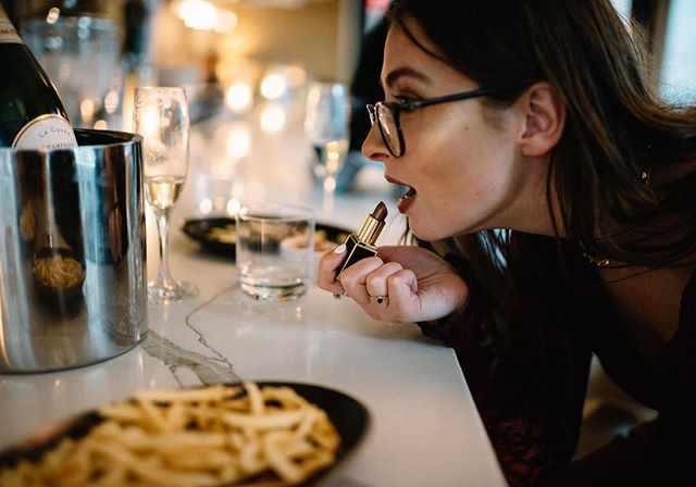 NYE is almost upon us and if you're looking for a great way to ring in 2019, may I suggest bubbles and a boatload of fries? This pic is from a ~dreamy~ piece I wrote for @tablemagazine on a Champagne and French Fry road trip around Pittsburgh! Full story is in the Winter issue, on stands now! It's a great adventure for NYE.... or any day of the week, really. Ps: highlighter credit to my gurl KYLIE  Photo: @rosecoloredcreative for @tablemagazine