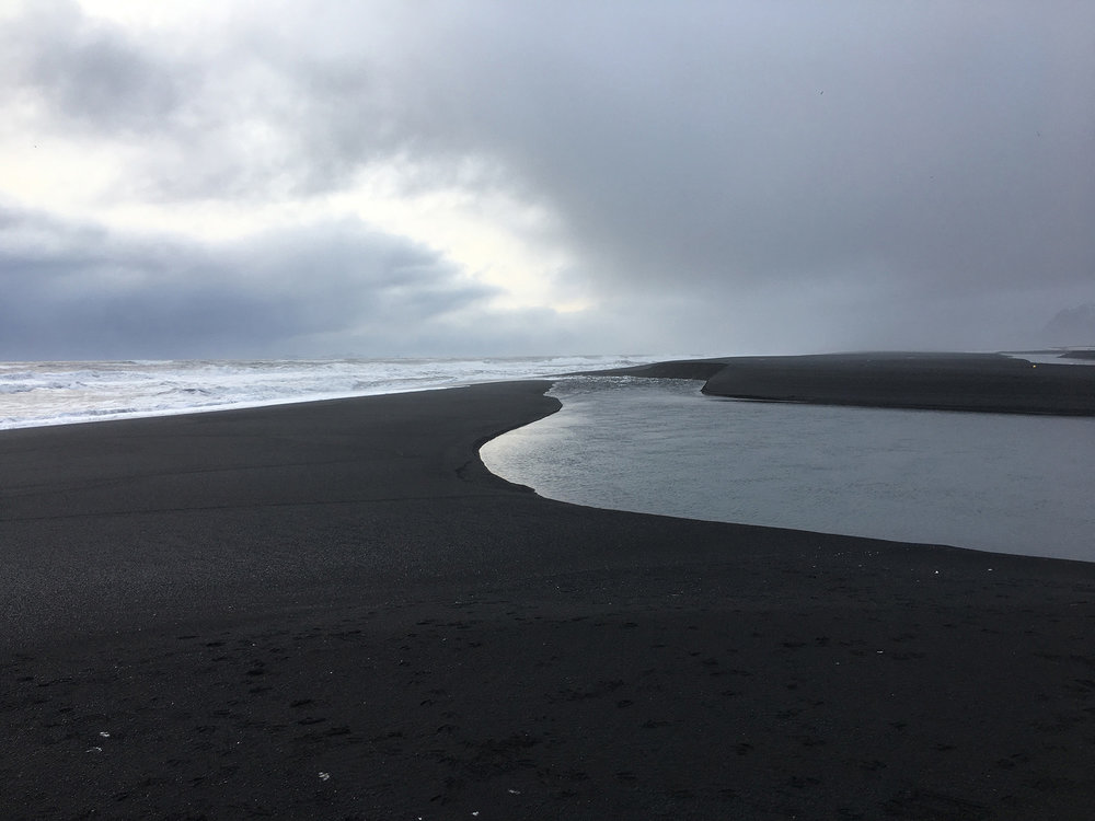 Iceland-RiverIntoTheSea.jpg