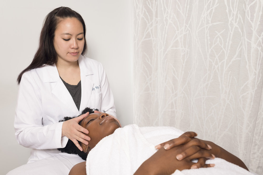 Emily Grace Siy is a Licensed Acupuncturist and Chinese Herbalist in New York City. -