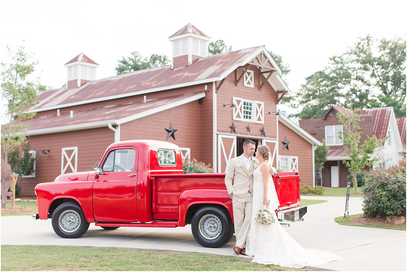 9_oaks_farm_monroe_ga_wedding_photographers_0143.jpg