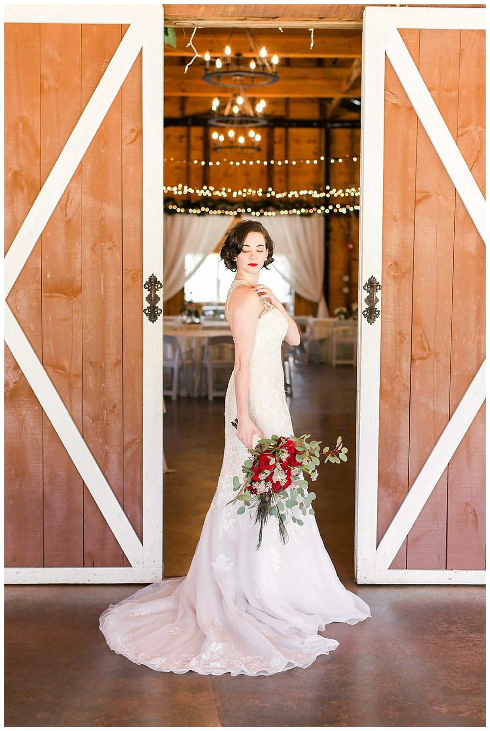 9_Oaks_Farm_Monroe_Ga_Wedding_Photograpehrs_0004.jpg