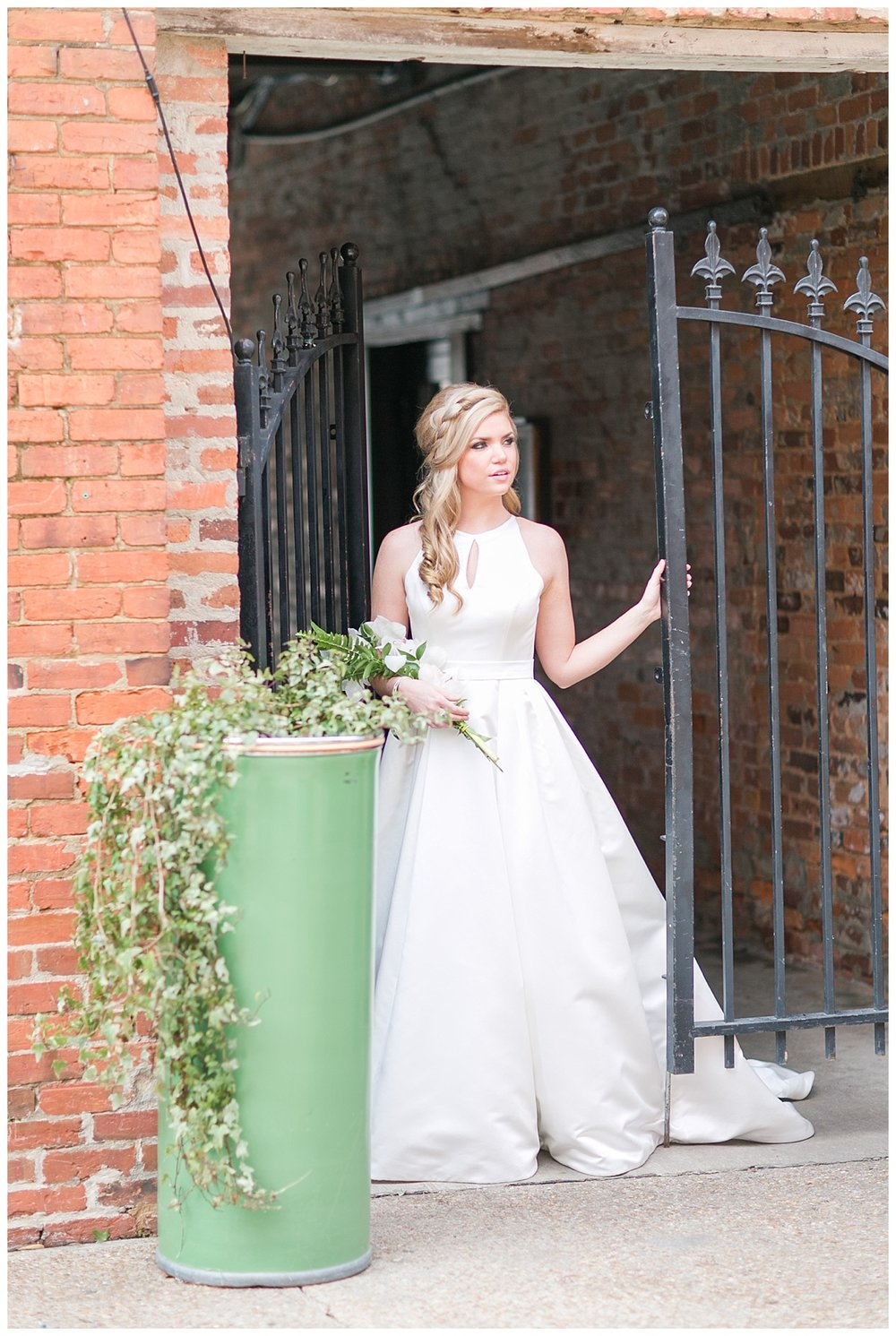 The_Graduate_Athens_Monroe_Ga_Wedding_Photograpehrs_0004.jpg