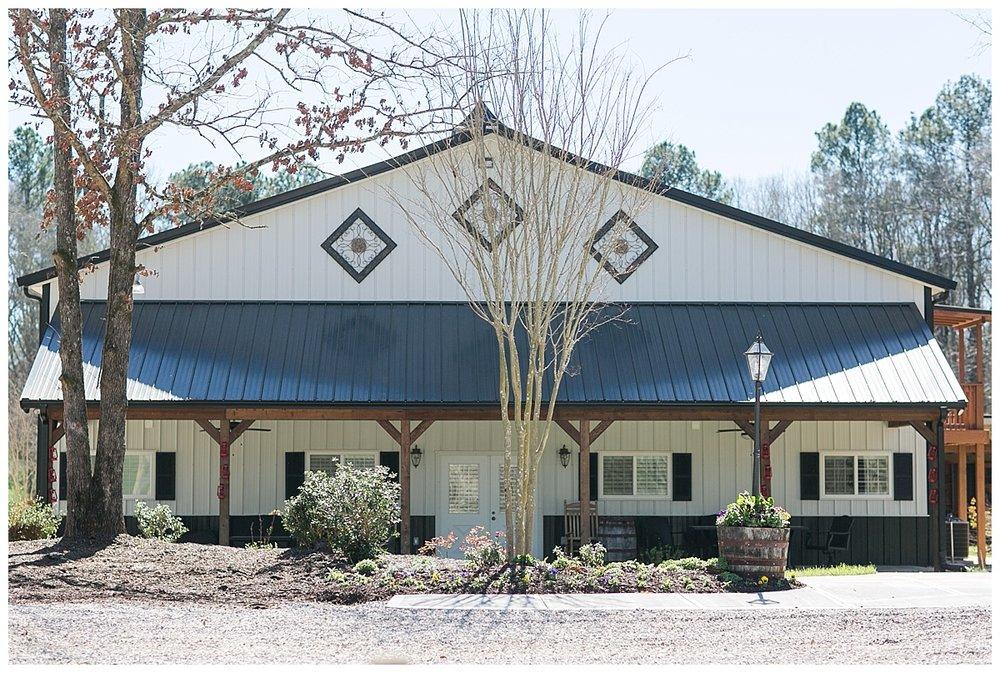 9_Oaks_Farm_The_Warehouse_Monroe_Ga_Wedding_Photograpehrs_0002.jpg