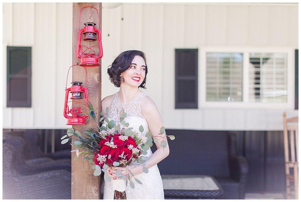 9_Oaks_Farm_The_Warehouse_Monroe_Ga_Wedding_Photograpehrs_0006.jpg