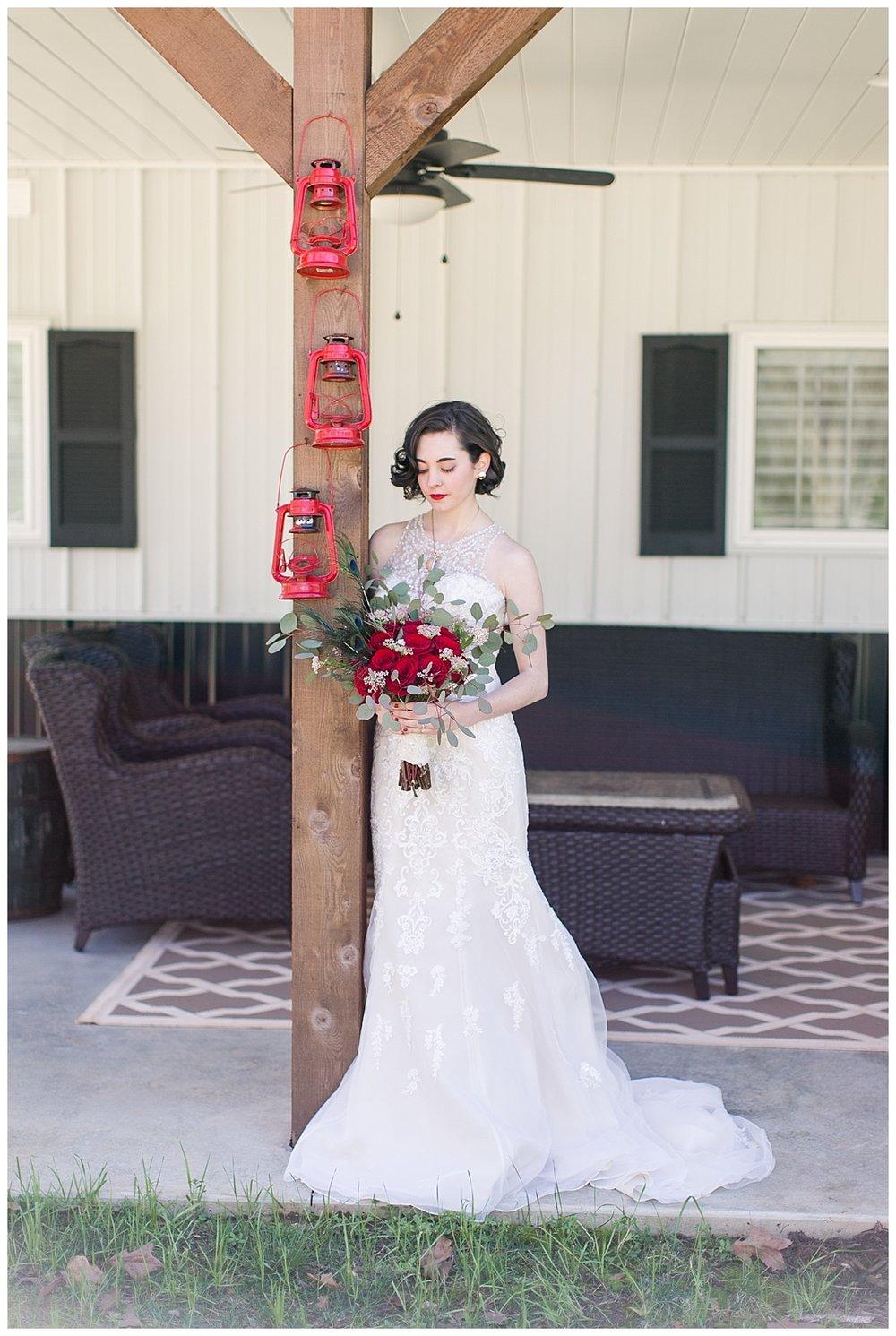 9_Oaks_Farm_The_Warehouse_Monroe_Ga_Wedding_Photograpehrs_0005.jpg