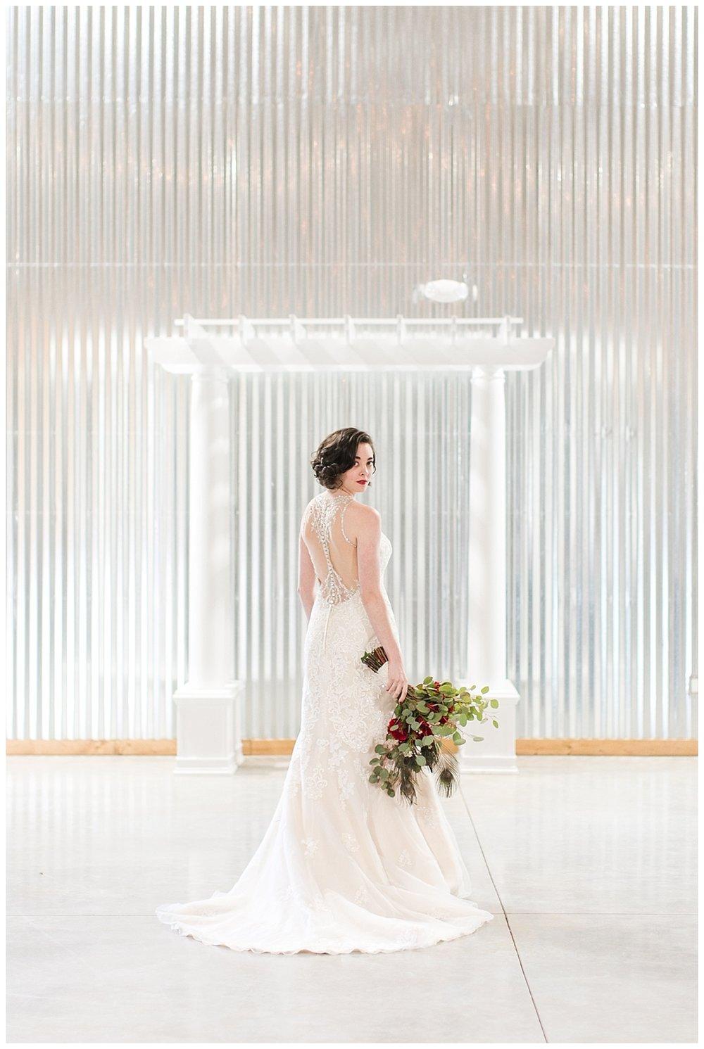 9_Oaks_Farm_The_Warehouse_Monroe_Ga_Wedding_Photograpehrs_0009.jpg