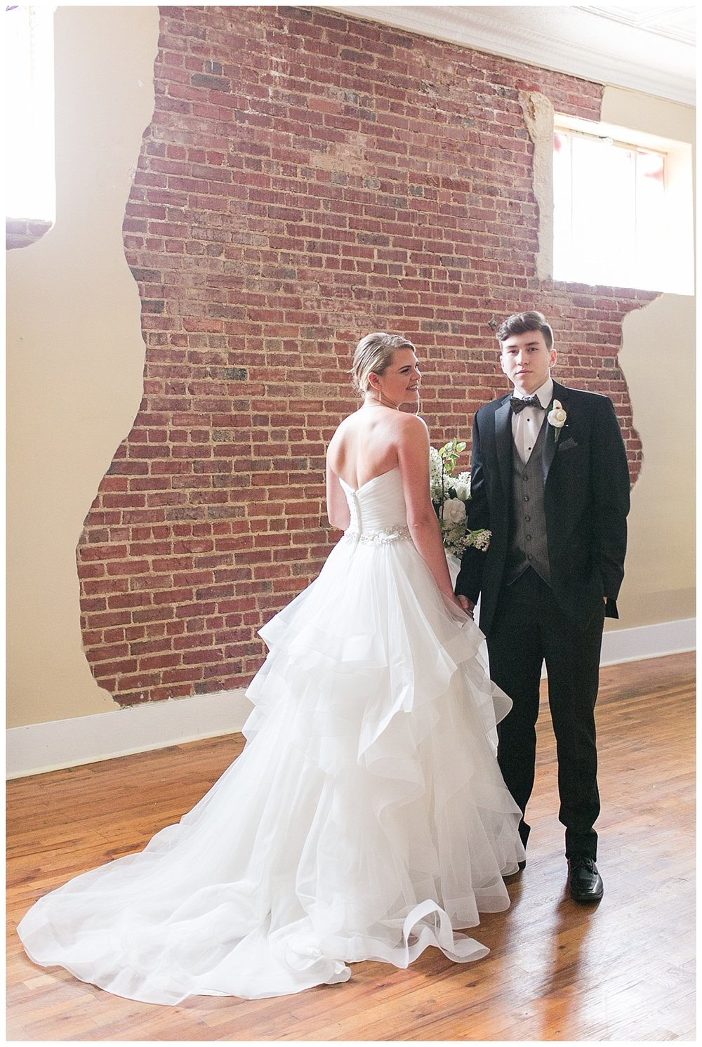 Scott's_Downtown_Monroe_Ga_Wedding_Photograpehrs_0004.jpg