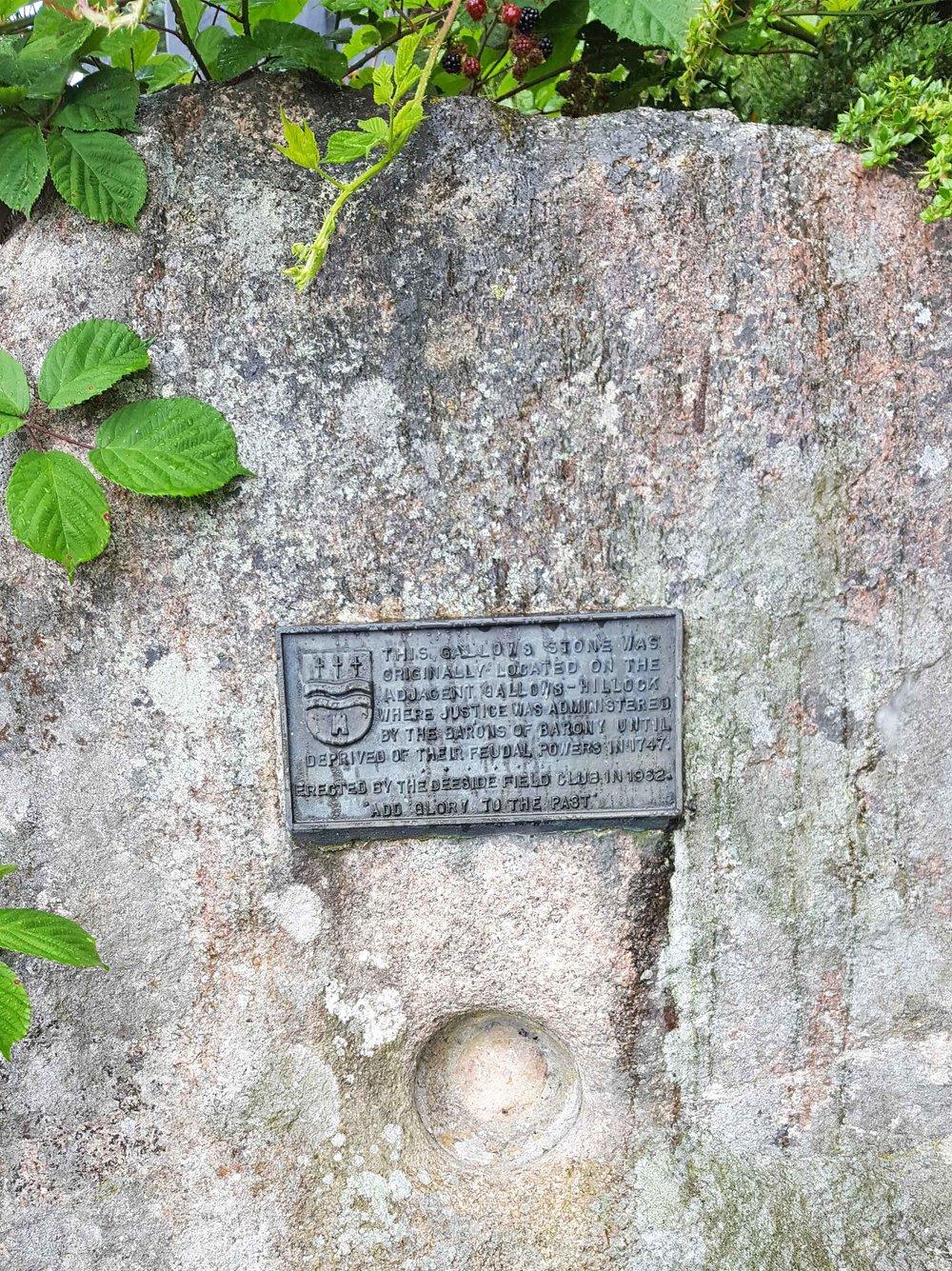gallowsstonedetail.jpg