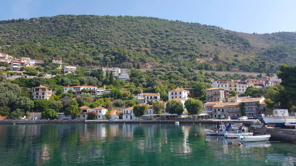 Monistiraki harbour and houses.jpg