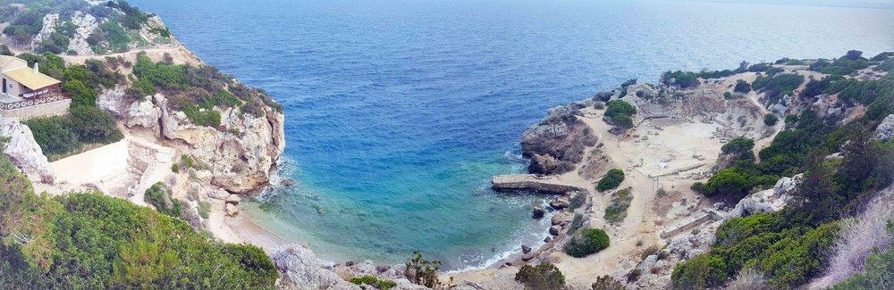 Heraion shore panorama.jpg