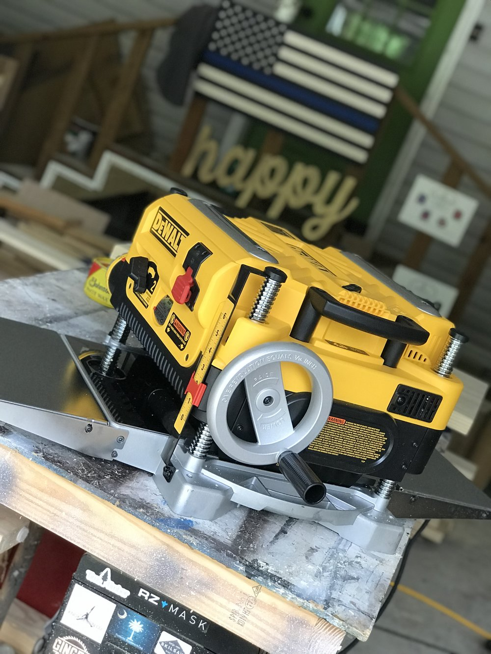 dewalt 735x side.jpg