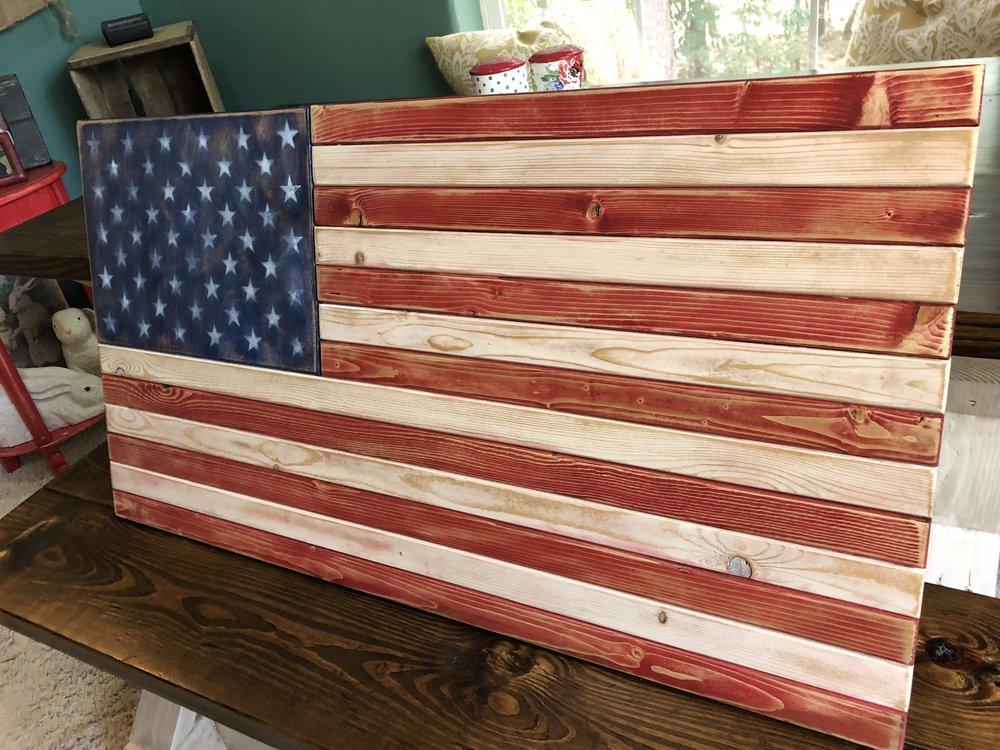 rustic american flag.JPG
