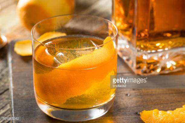 THE OLD FASHIONED WHISKY COCKTAIL -