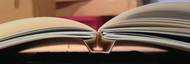 Over-the-shoulder-hollow hand binding allows the bookblock to move independently of the spine, ensuring the book lies flat and can be opened all the way.