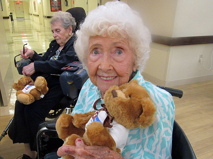 MorseLife Senior Residents     Enjoying Bear Givers Visit    APRIL 11, 2017