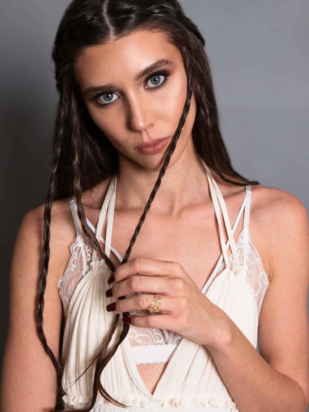 amora_beauty_studio_female_model_makeup_headshot_miami.jpg