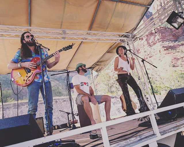 Had a blast sharing the stage with @brlively and @brianalancoe for a mashup set all together on Saturday at #zioncanyonmusicfestival.  What an honor to collaborate with these very talented dudes ✨✨ 📷by @danscape