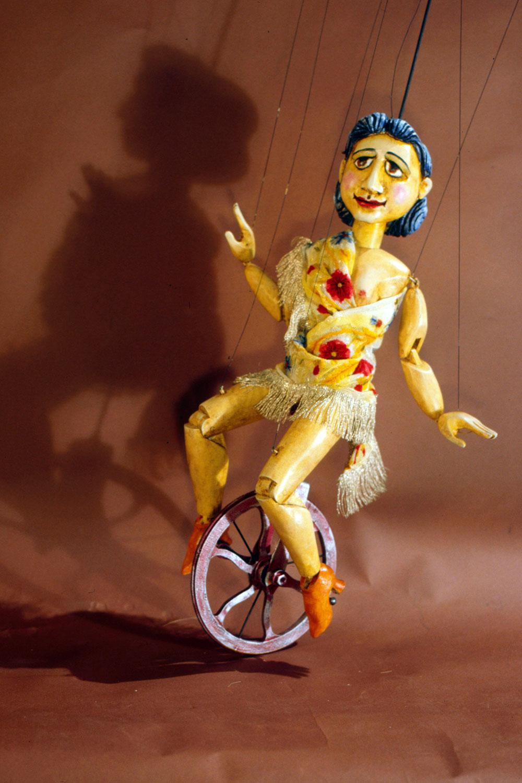 Mozart_Einradfahrerin_a-1000x1500-Web.jpg