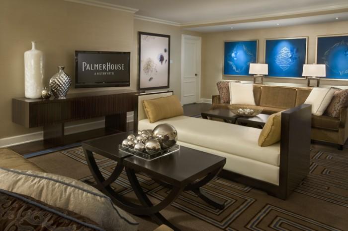 Palmer-House-Chicago-Penthouse-Livingroom-700x466.jpg