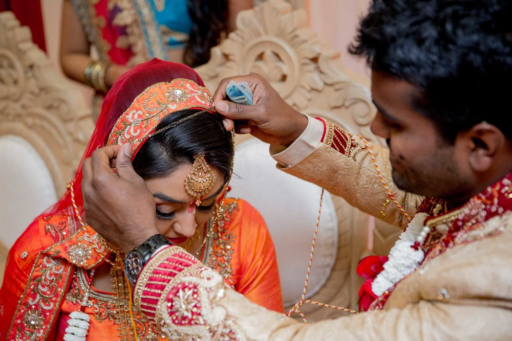premier-banquetting-london-Hindu-asian-wedding-photographer-natalia-smith-photography-39.jpg