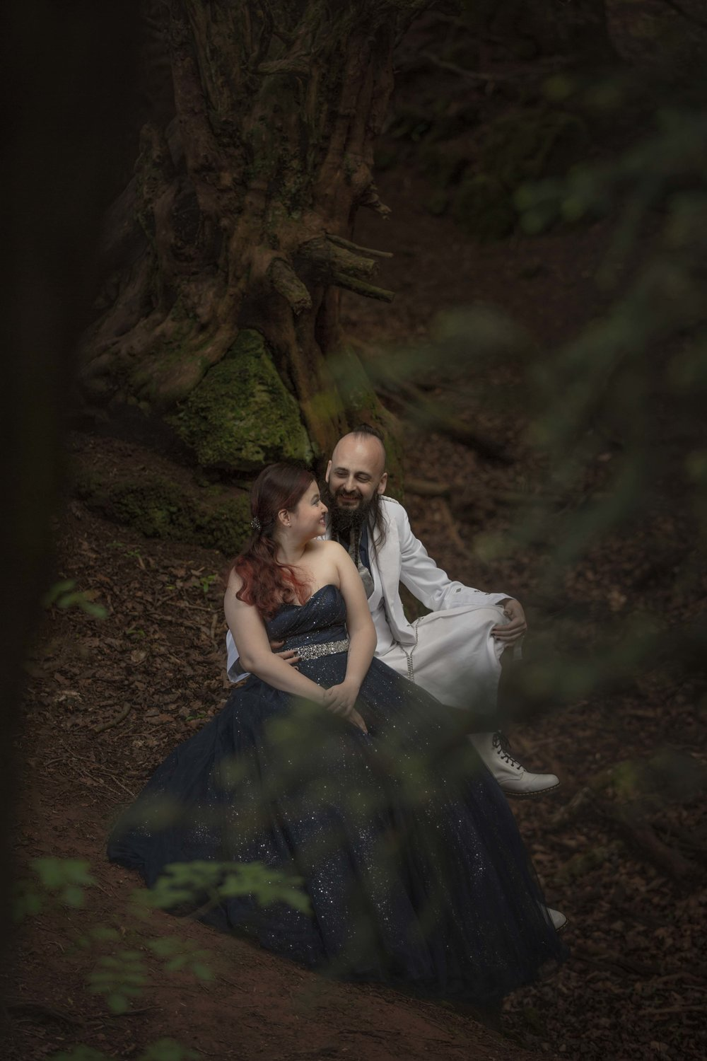 Puzzlewood-fairytale-fairy-forest-wood-prewedding-photoshoot-star-wars-couple-shoot-asian-wedding-photographer-natalia-smith-photography-12.jpg
