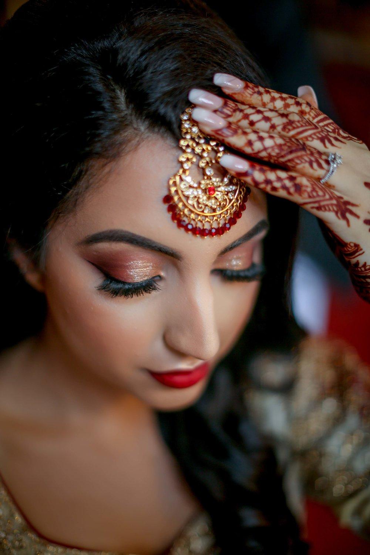 Female-asian-wedding-photographer-Cardiff-City-Hall-natalia-smith-photography-12.jpg