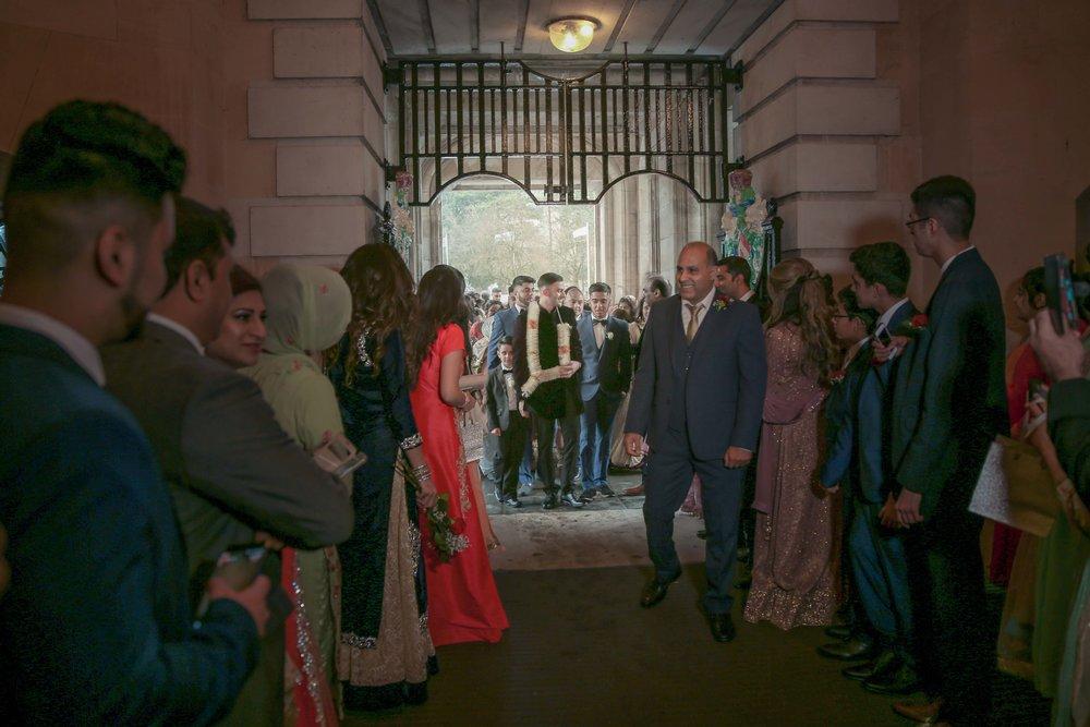 Female-asian-wedding-photographer-Cardiff-City-Hall-natalia-smith-photography-19.jpg