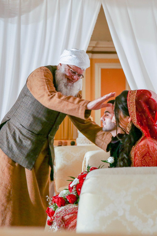 Female-asian-wedding-photographer-Cardiff-City-Hall-natalia-smith-photography-26.jpg