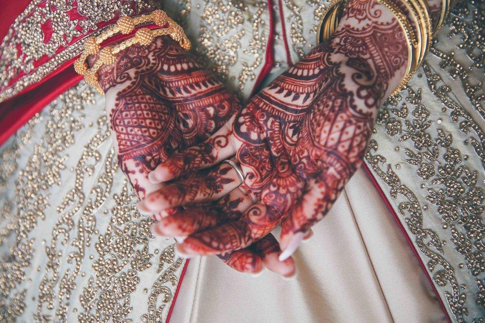 Female-asian-wedding-photographer-Cardiff-City-Hall-natalia-smith-photography-28.jpg