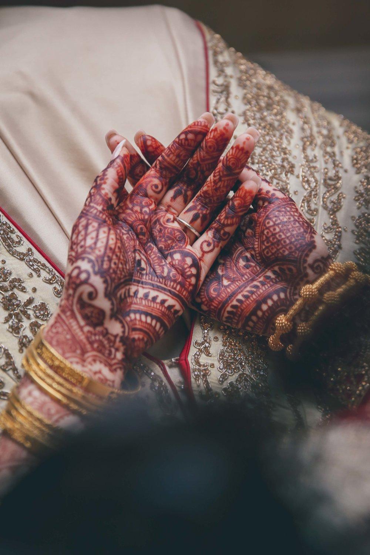 Female-asian-wedding-photographer-Cardiff-City-Hall-natalia-smith-photography-29.jpg