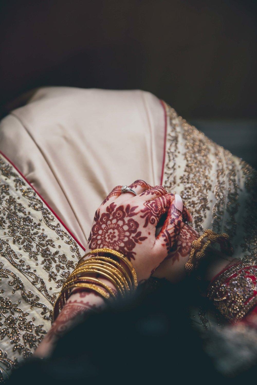 Female-asian-wedding-photographer-Cardiff-City-Hall-natalia-smith-photography-30.jpg