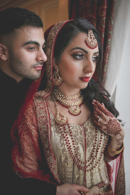 Female-asian-wedding-photographer-Cardiff-City-Hall-natalia-smith-photography-33.jpg